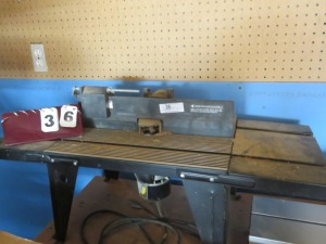 Router Table With Router