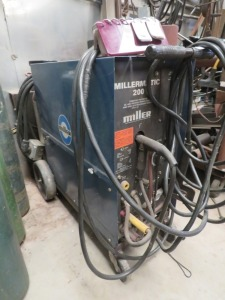 Millermatic 200 Arc Welder With Wire Control Feeder System
