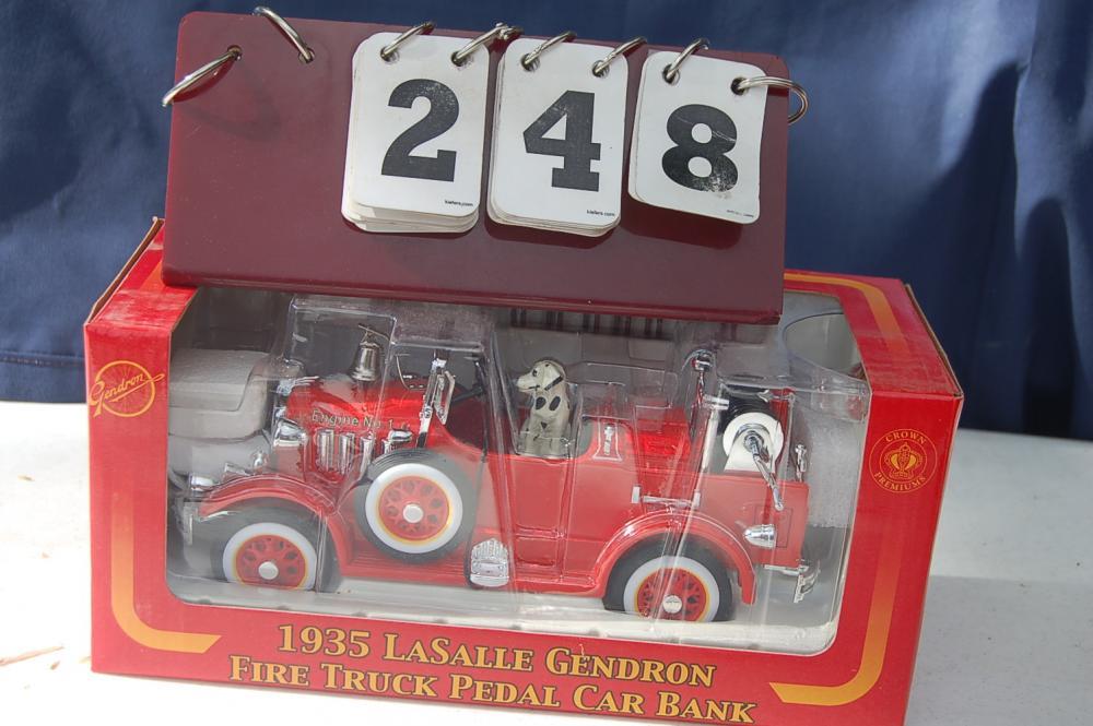 Sonstige 1941 Gendron PumPer Pedal Car
